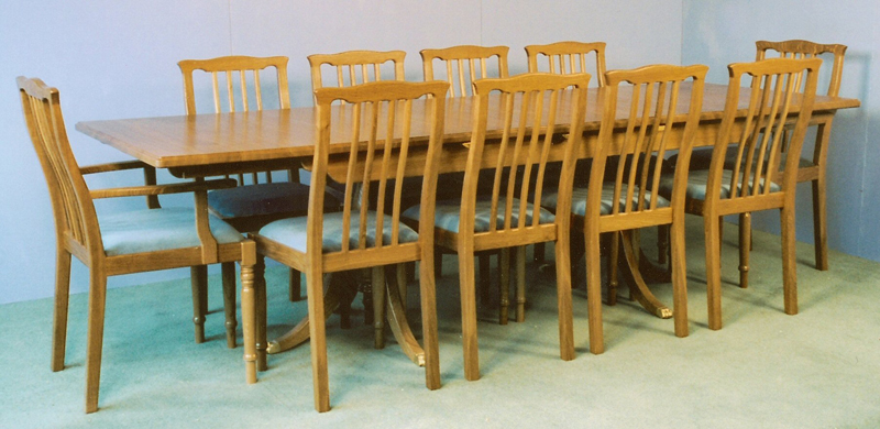9ft Extending Dining Table And Contour Back Chairs