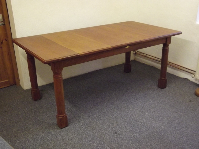 Cherry extending table 6' to 7'6