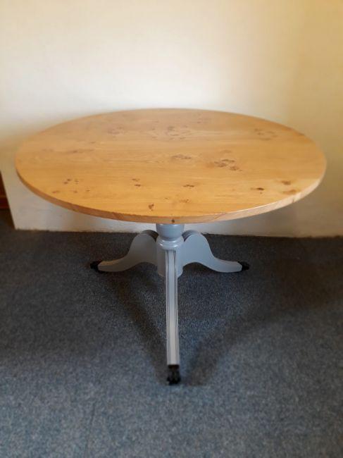 Pippy oak table, 3'6